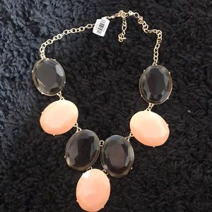Jewelry - NWT Color block necklace